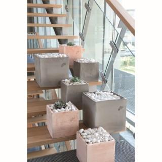 pot carr contemporain en terre grise 32x32x32 cm pots balcon et terrasse poterie goicoechea. Black Bedroom Furniture Sets. Home Design Ideas