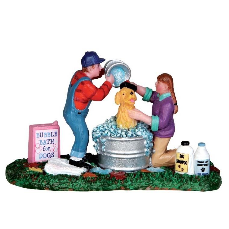 Figurine Lemax Sparky prend son bain