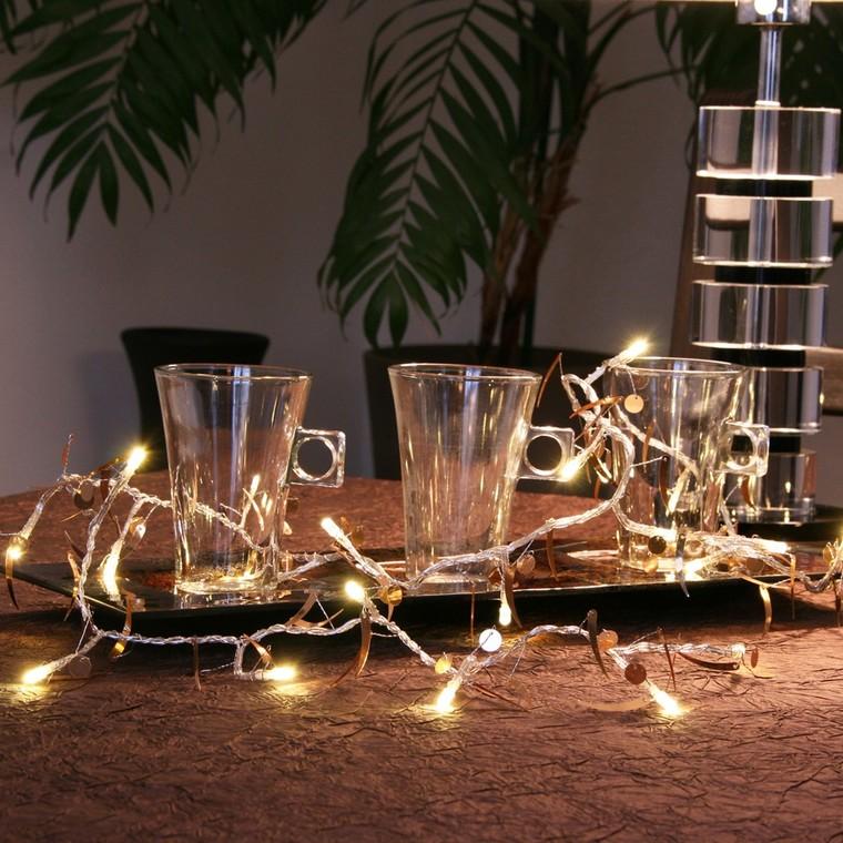 Guirlande lumineuse virgules et confettis dorés 2 m