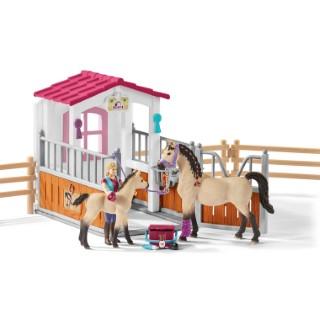 Box avec chevaux arabes et soigneuse Série Horse club 23x11x19 cm 367506