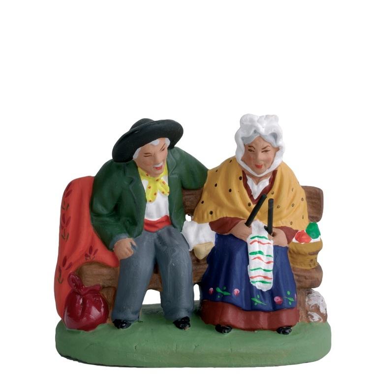 Couple de vieux assis 5 cm