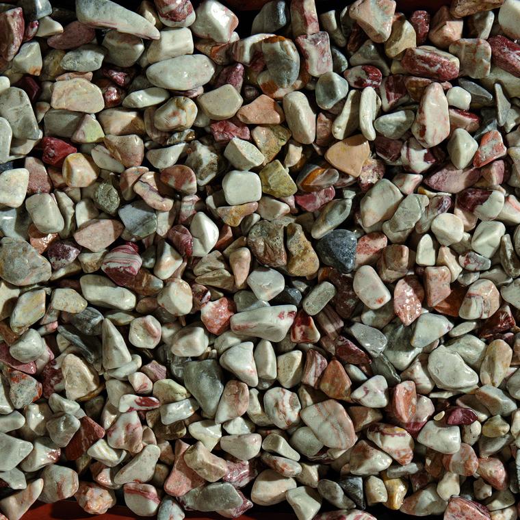 Graviers décoratifs de marbre blanc rouge 7 à 15 mm en sac de 10 kg 415889