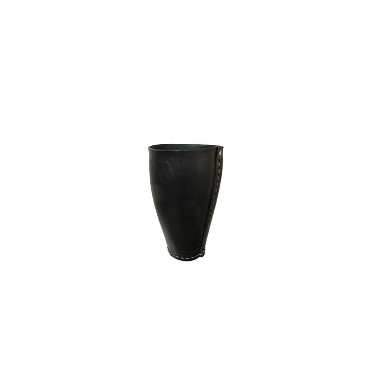 vase pneu recycl moyen karawan botanic. Black Bedroom Furniture Sets. Home Design Ideas