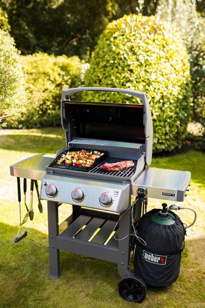 Barbecue spirit II E-310 avec plancha coloris noir 132 x 61 x 115 cm 506773