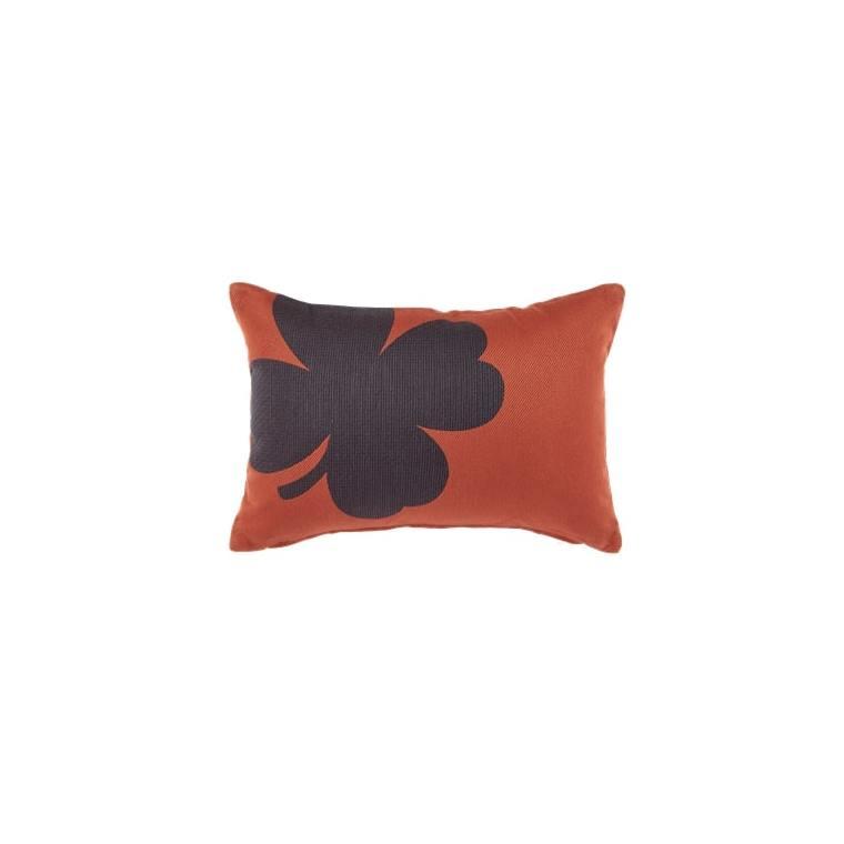 Coussin trèfle Fermob coloris ocre rouge en acrylique 44 x 30 cm 659477