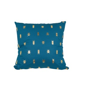 Coussin déco carré bleu scarabées 50 x 50 x 18 cm 700633