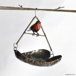Suspension métal mangeoire forme cœur avec oiseau 700885