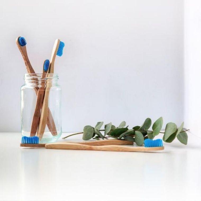 Brosse à dents pour adulte en bambou souple coloris bleu 716274