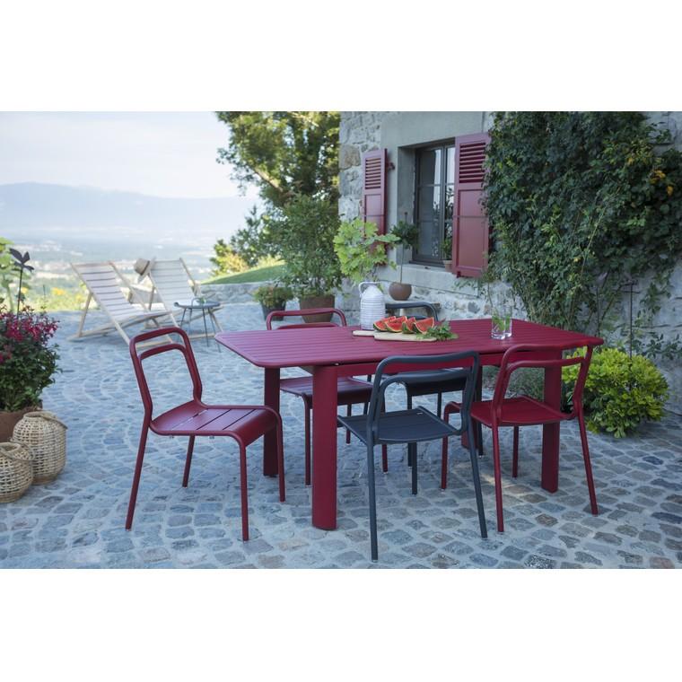 Ensemble repas Oro avec 1 table rouge, 3 chaises rouge et 3  chaises grise L000091