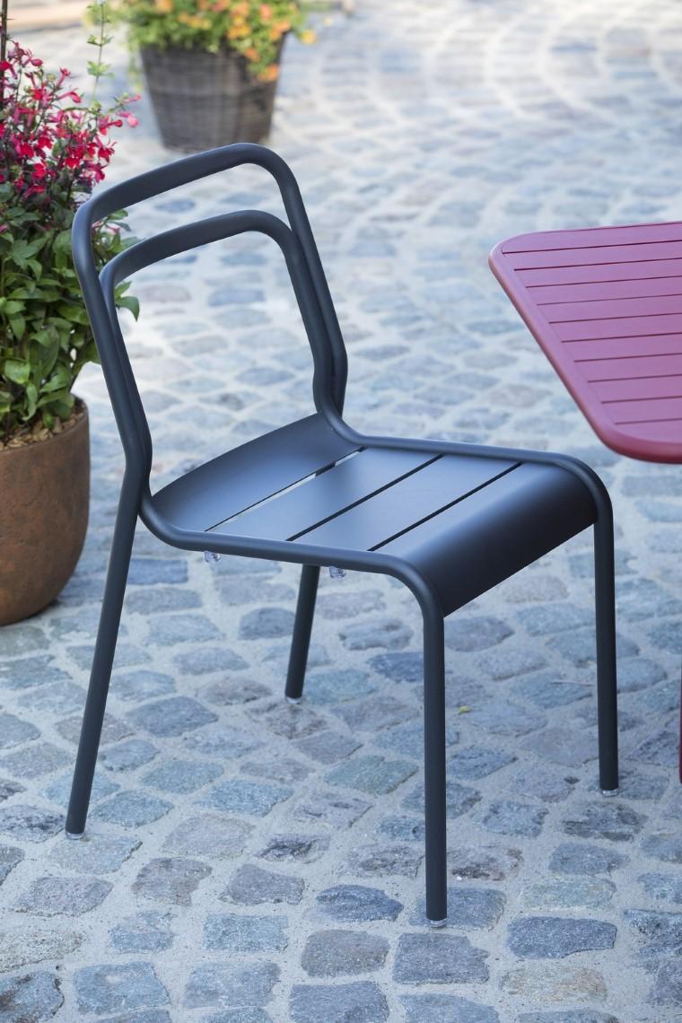 Ensemble de repas en aluminium composé d'une table de jardin Oro rectangulaire à rallonge et de 6 chaises. L000216