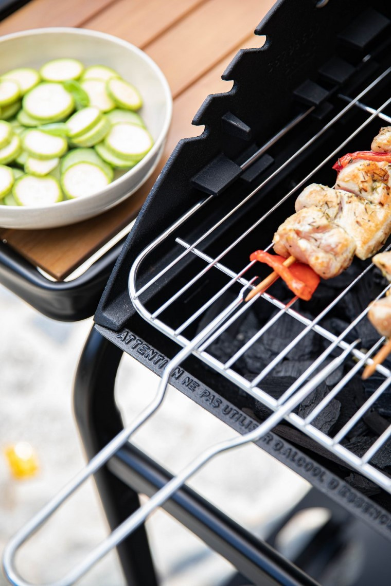 Barbecue Petit Chef et sa housse de protection L000221
