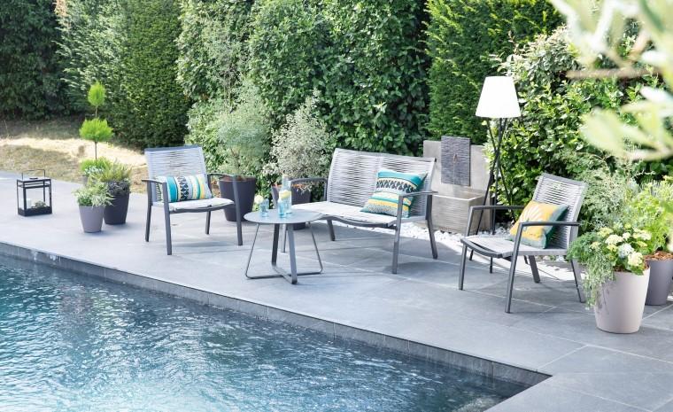Salon de jardin Taro composé d'une banquette, de deux fauteuils et d'une table basse L000223