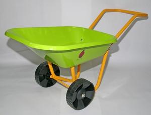 brouette en m tal pour enfant verte outils de jardinage enfant devaux jardin botanic. Black Bedroom Furniture Sets. Home Design Ideas