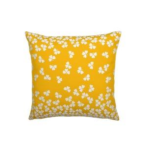 Coussin trèfle Fermob coloris miel en acrylique 44 x 44 cm 417835