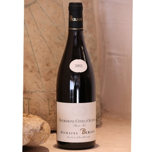 Bourgogne AOC, côtes d'Auxerre pinot noir - Le carton de 6 bouteilles