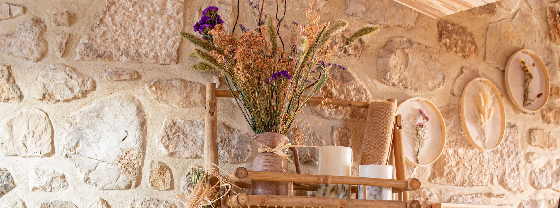 Les fleurs séchées dans la décoration