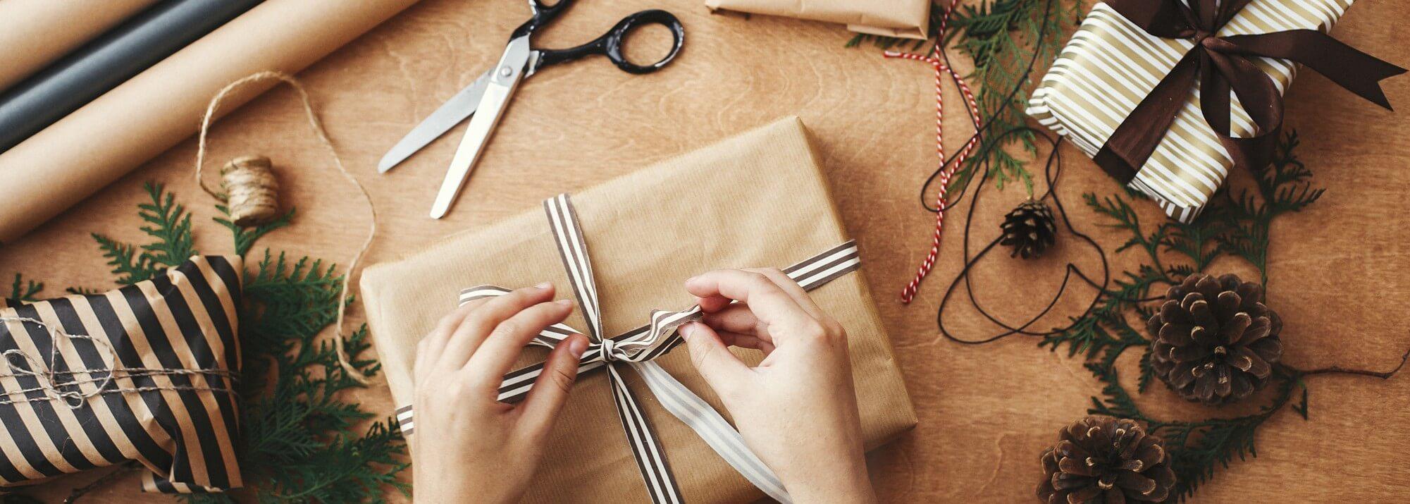 Emballages cadeaux et accessoires