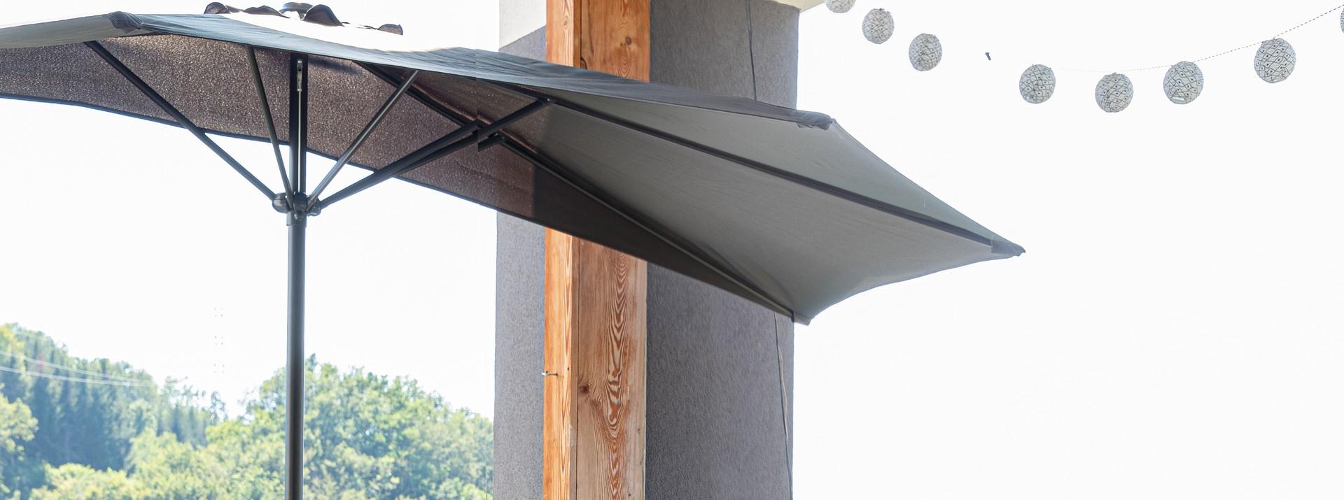 Housses de protection pour parasols et accessoires