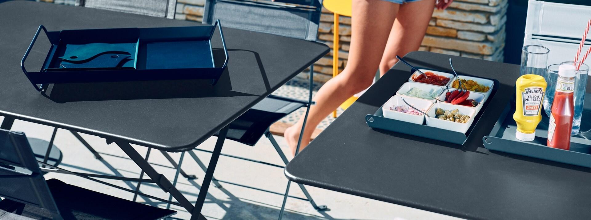 Sets de table, dessous de plat et plateaux Fermob