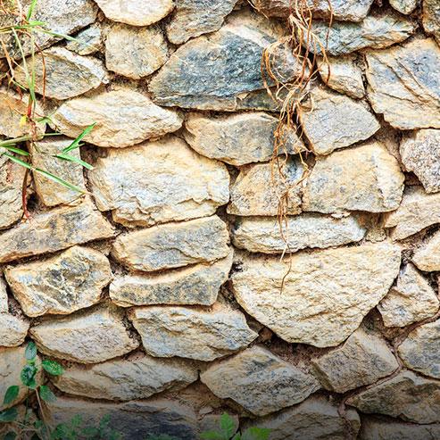 BlocConseil_construire-un-mur-en-pierre-seches