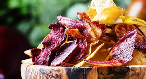 Des épluchures de légumes pour des chips anti-gaspillage